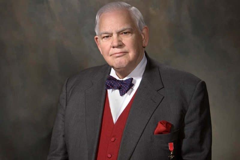 James C Humes, spécialiste du charisme