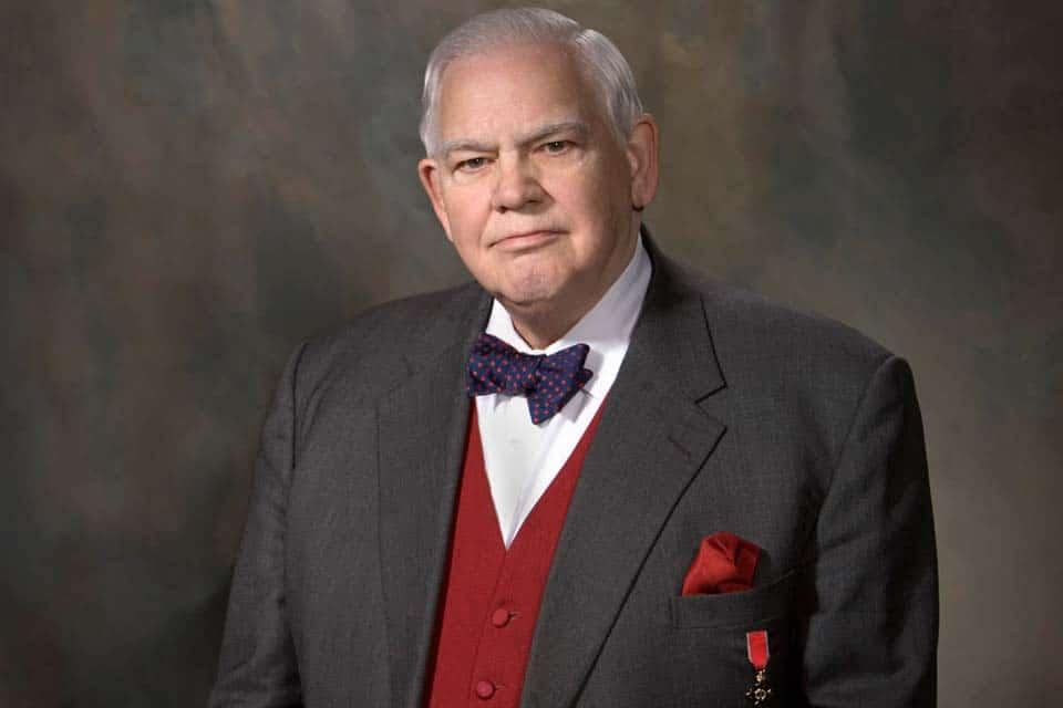 James C. Humes, professeur de Communication et de Leadership à l'Université de Caroline du Sud, rédacteur de discours pour 5 anciens Présidents des Etats-Unis et spécialiste du charisme.