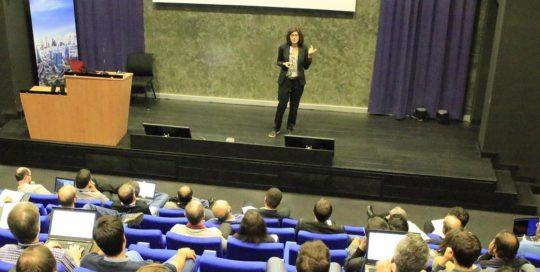 """Conférence """"Communiquer pour convaincre"""" pour Thalès"""
