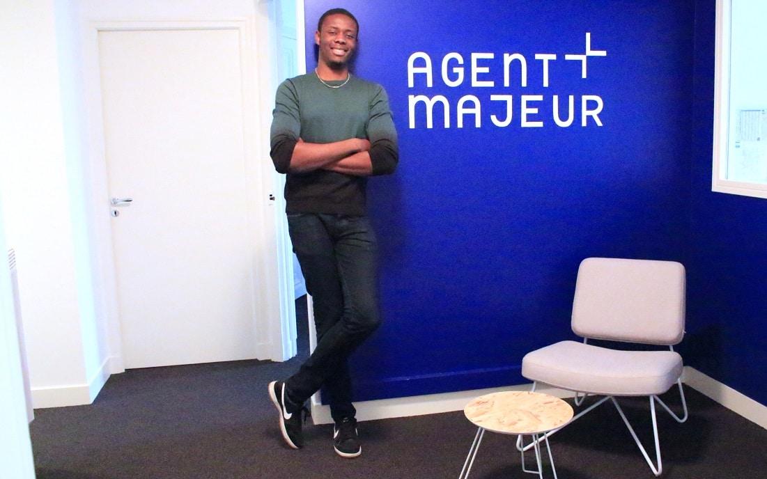 Un nouveau stagiaire chez Agent Majeur !
