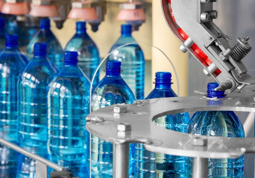 usine de bouteilles plastiques
